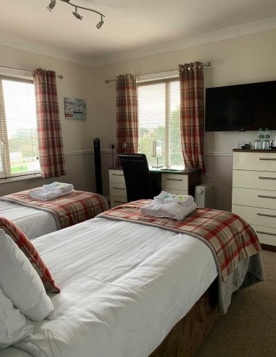 twin bedroom in scarborough 2 adults